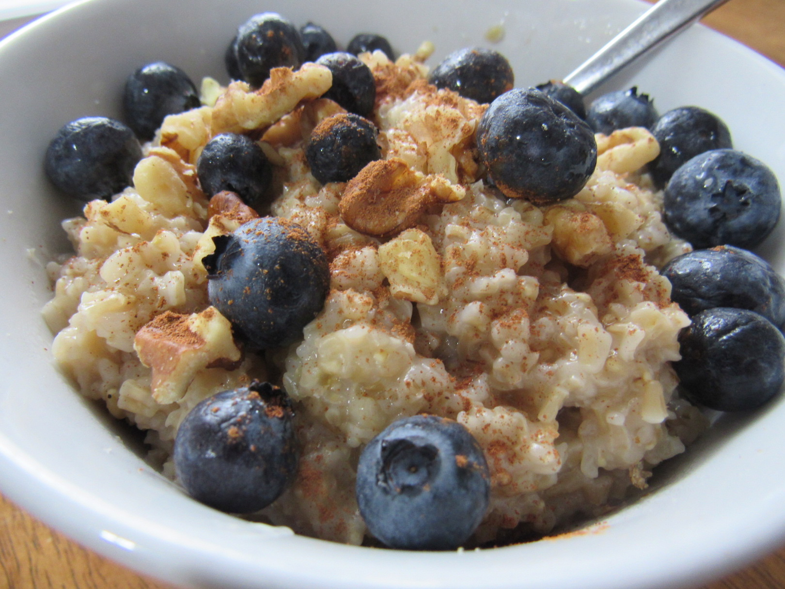 Balanced Bowl: Steel Cut Oats, Walnuts, and Blueberries