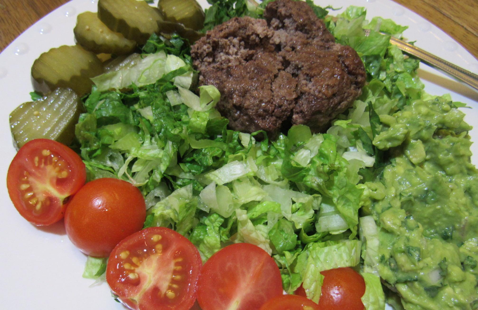 Bunless Burger / Chopped Toppings / Guacamole